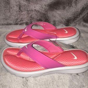 Nike women's ultra comfort thong print